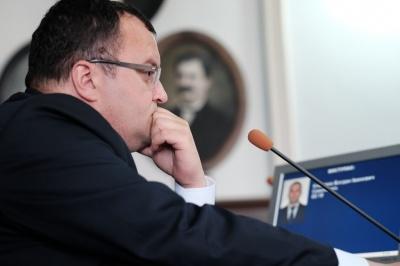 Каспрук подав позов до суду про визнання своєї відставки незаконною