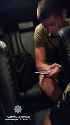 У Чернівцях затримали винуватця ДТП, на якого сім разів складали протоколи за керування напідпитку