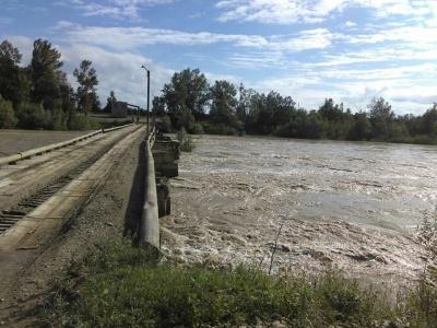 Загроза повені: буковинців попередили про підйом рівня води у річках Прут і Сірет