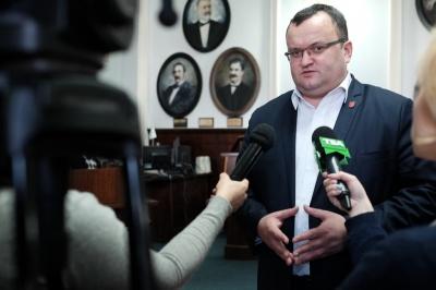 Каспрук здивований, чому Кличко відмовчується щодо відставки мера Чернівців