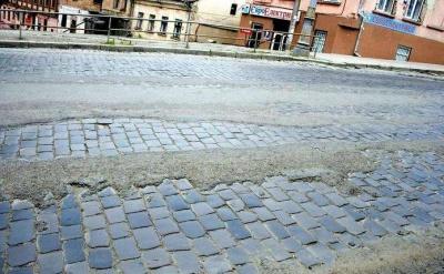 Каспрук заявив, що в Чернівцях не скоро з'являться хороші дороги