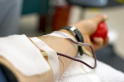 10 літрів крові - для одного пацієнта: як медики рятували життя важкохворого буковинця