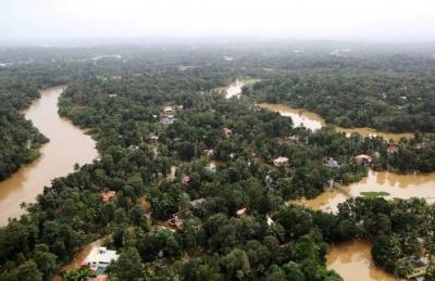 Найбільша погодна катастрофа за 100 років: через повені в Індії загинули 324 людини - фото
