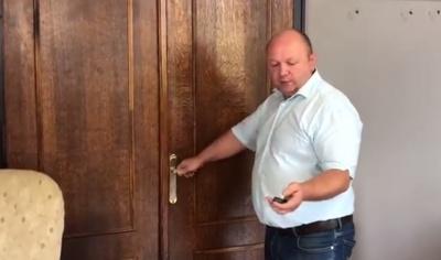 Продан пояснив, чому депутат Білик через вікно проник до кабінету мера Чернівців - відео