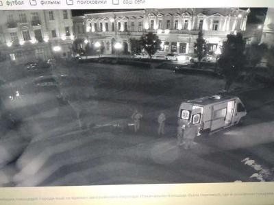 У Чернівцях затримали чоловіка, який у центрі міста влаштував нічну стрілянину