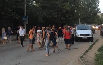 Дві доби без газу: обурені мешканці Рівненської другий день поспіль блокують вулицю