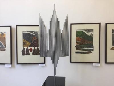 У Чернівцях у «Вернісажі» до Дня Незалежності відкрили виставку живопису та графіки