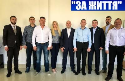 Бурбак заявив, що у Чернівцях «Рідне місто» пропагує Медведчука