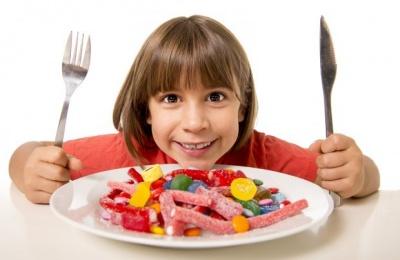 Які продукти не можна давати дітям до 3 років: перелік