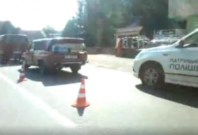 Не дивився на дорогу: на Буковині зіткнулися автівки - відео