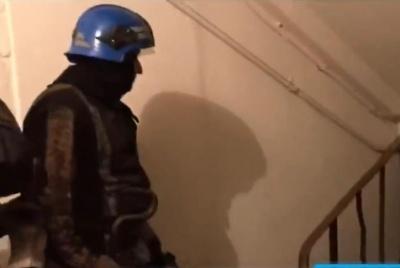 У Кривому Розі рятувальники прибули на допомогу поліції, але застрягли у ліфті - відео