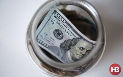 В Україні впали доларові ставки за депозитами