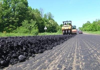 У Чернівецькій області на трасі просіла дорога: фахівці з'ясовують причини
