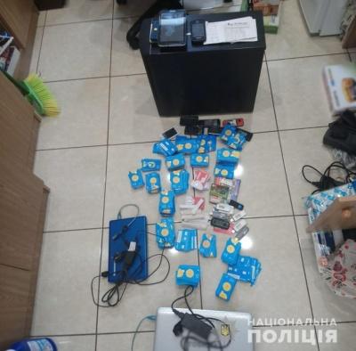 На Буковині поліція затримала кіберзлочинців, які організували нелегальний канал міжнародного телефонного зв'язку