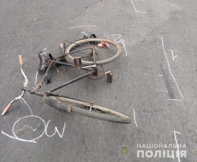 У Чернівцях під колеса автівки потрапив велосипедист