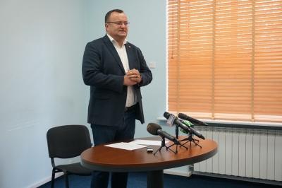 Каспрук презентував свій офіс та обіцяє щотижневі брифінги