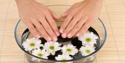 Як зміцнити нігті народними засобами: рецепти