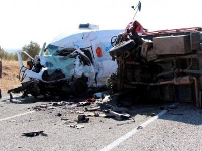 Мікроавтобус потрапив у ДТП в Туреччині: 7 загиблих, 19 поранених