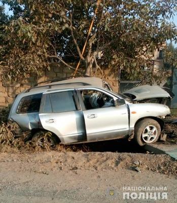 Авто перетворилось на брухт: на Буковині двох людей забрали до лікарні після страшної ДТП