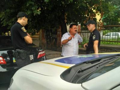 У Чернівцях патрульні тричі оштрафували «народного бургомістра» за порушення ПДР - фото