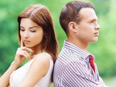 Як не піддатися спокусі повернутися до екс-партнера: поради від психотерапевта