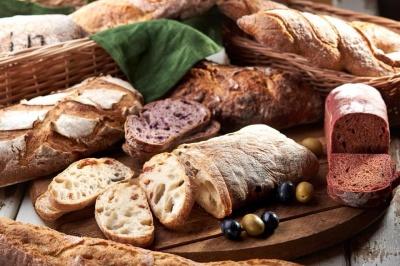 На скільки в Україні може подорожчати хліб: експерти розповіли