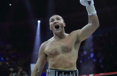 Російський боксер висловив готовність битися з Усиком в Україні