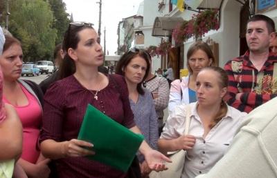 На Буковині батьки школярів вимагали у місцевої влади надати для села шкільний автобус - відео