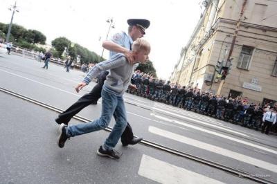 У Санкт-Петербурзі поліція затримала близько 500 протестувальників