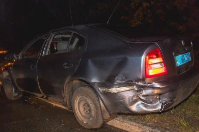 У Києві водій Daewoo влетів у поліцейський автомобіль