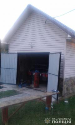 Жахливе вбивство на Буковині: господаря будинку виявили мертвим у гаражі