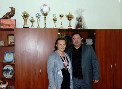 Параолімпійська призерка з Буковини потребує допомоги: дівчині необхідний протез