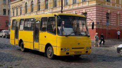Чернівчани хочуть повернути маршрутку №42: петиція майже набрала потрібну кількість голосів