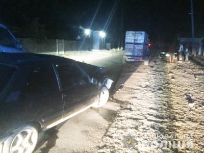 На Буковині п'яний водій врізався у причіп вантажівки - фото