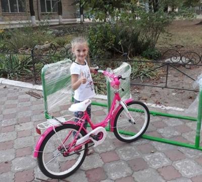 Юні відеоблогери з Чернівців виграли для своїх шкіл велопарковки