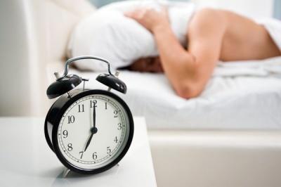 Як розбудити чоловіка вранці: ефективні методи