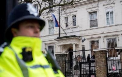 Журналісти подзвонили до підозрюваного в отруєнні Скрипалів і потрапили в Міноборони РФ