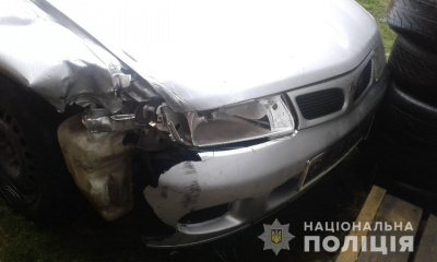 На Буковині водій іномарки збив на смерть велосипедиста і втік: через годину його затримала поліція