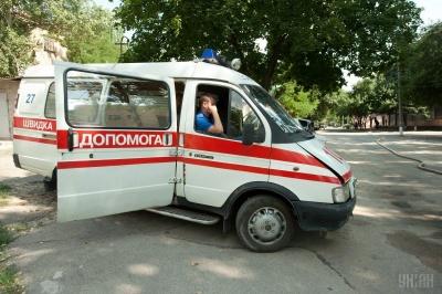 На Одещині помер хлопець, бо швидка не встигла довезти його до лікарні через ями