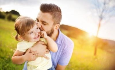 Сьогодні відзначають День батька: чому варто святкувати і як привітати