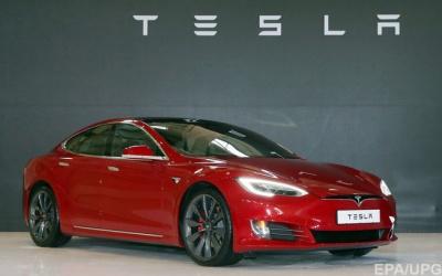 Автопілот Tesla перестав працювати після невдалого оновлення