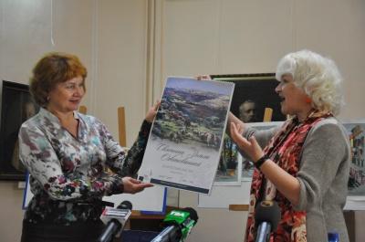 Чернівецькому художньому музею передали 12 картин з Ізраїлю
