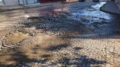 Трухляві труби і кадровий «голод»: у «Чернівціводоканалі» назвали причини частих аварії у центрі міста