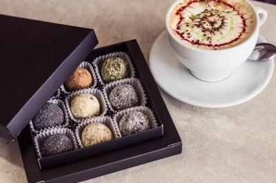 Солодощі без цукру, яєць та борошна: чернівчанка відкрила успішний бізнес із капіталом у 100 гривень
