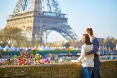 «За 1500 гривень – до Парижа»: турфірми пропонують чернівчанам екскурсії вихідного дня до Європи за вигідними цінами