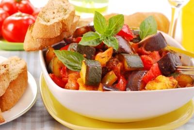Рецепт дня: овочеве рагу з індичкою