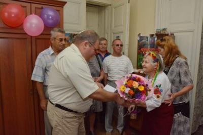 Пережила війну і має багато нагород: чернівчанка відзначила 100-річний ювілей