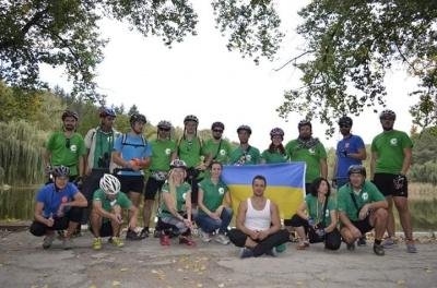 Проїхали 156 кілометрів: буковинці взяли участь у міжнародному проекті за чисте довкілля