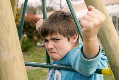Дитяча жорстокість: як побороти