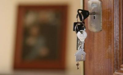 Вкрав паспорт в алкоголіка і продав його квартиру: в Чернівцях судитимуть шахрая